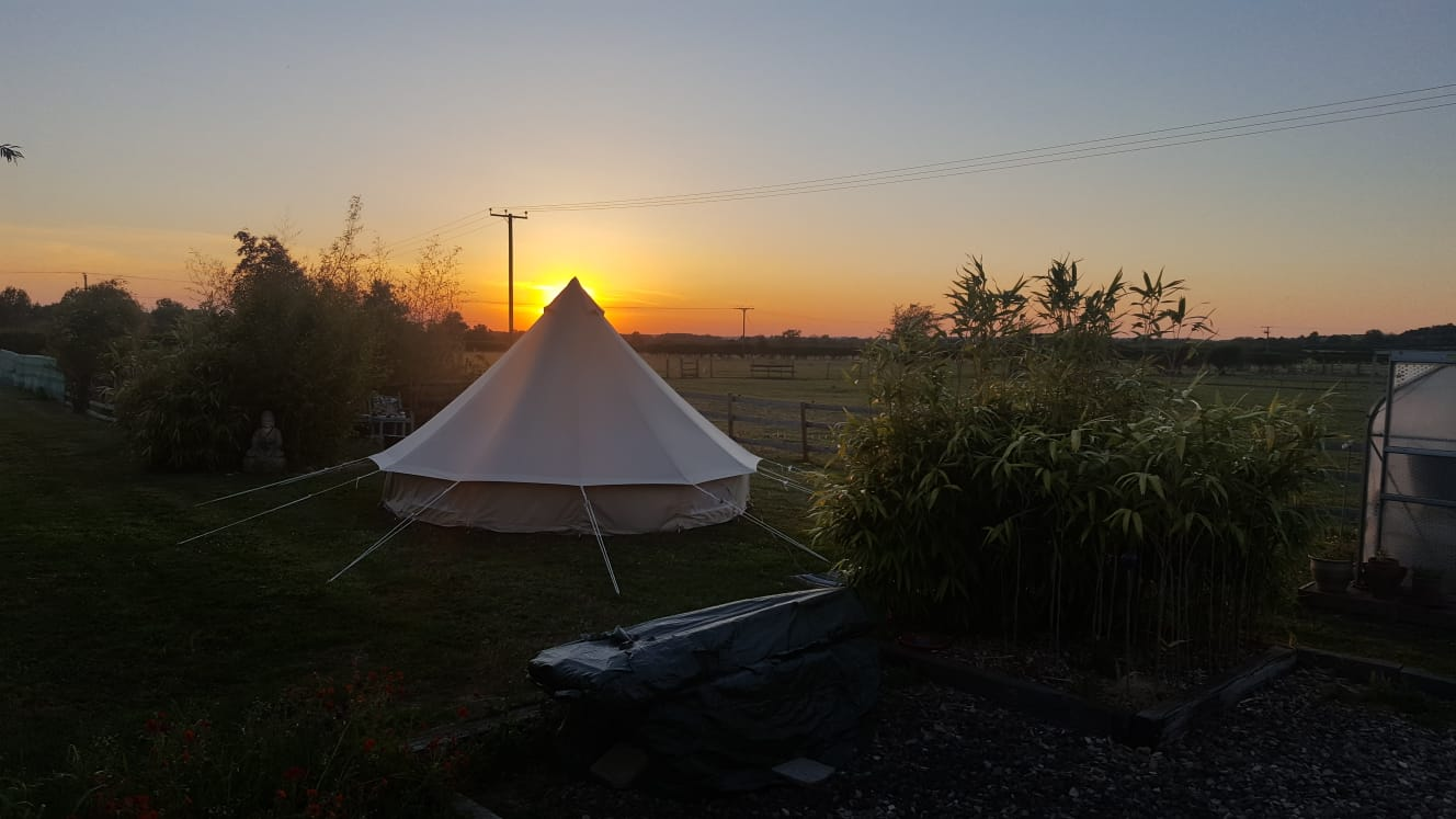 Glamping Hire at Sunrise Warwickshire